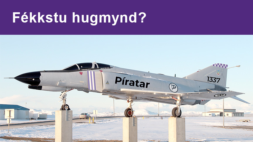 Tengja 1100 hverfið Í Ásbrú með veg við Flugvallarbraut.