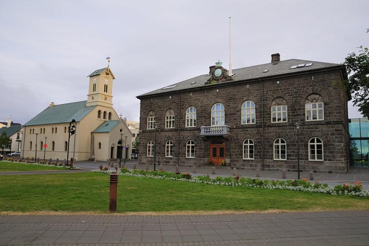Ríki og kirkja verði aðskilin
