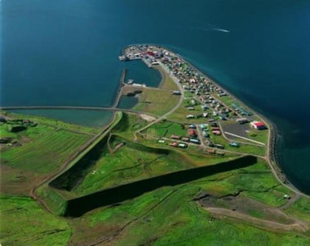 Svæðið innan varnargarðanna (Eyrarhryggs og Bæjarhryggs)