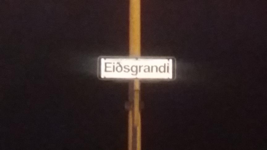 Nafnabreyting á götuskiltum á Eiðisgranda