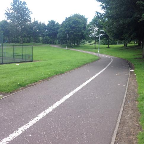 Cowdenbeath - Walkway from Leisure Centre towards Rowan Terr