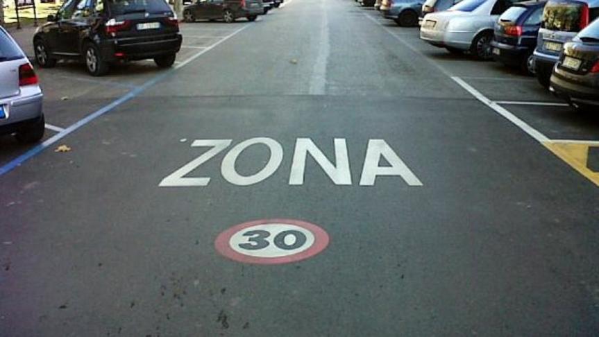 Ampliare gli spazi pedonali ed istituire zone 30Km/h