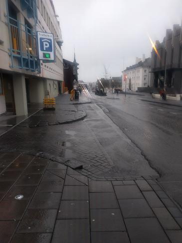 Bæta gönguleið fram hjá Traðarkoti