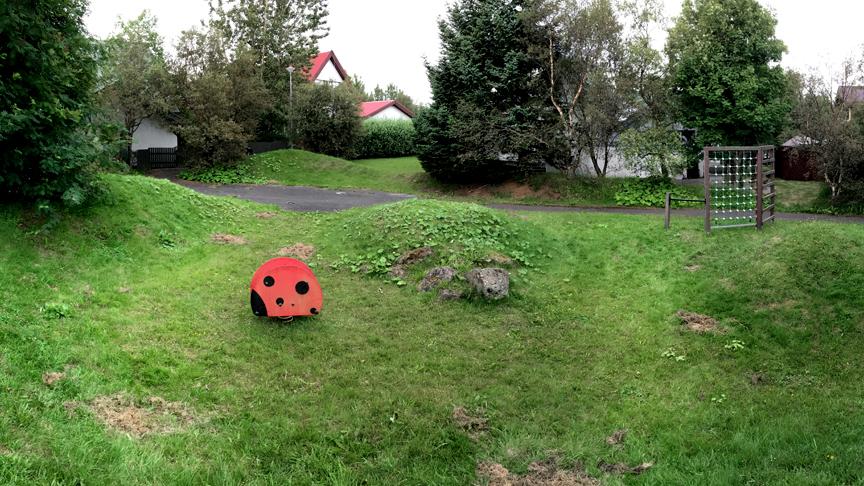 Leiksvæði efst við Holtasel /Hæðarsel
