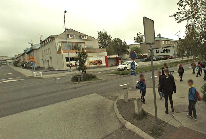 Gangbraut við Sunnubúð.