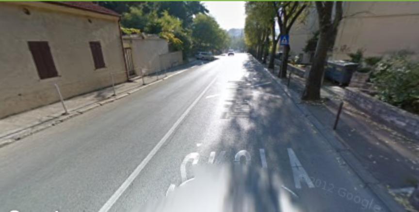 Povećati vidljivost pješačkog prijelaza u Tršćanskoj ulici