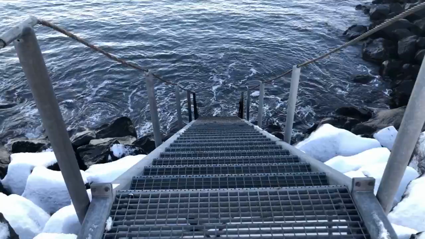 Hreyfistýrð bleik LED ljós fyrir stiga niður á strönd