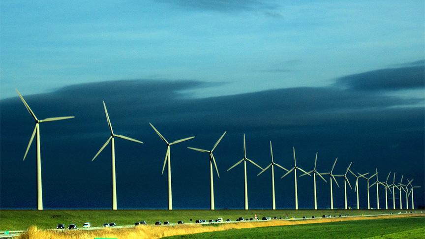 Windmolenparken naar zee?