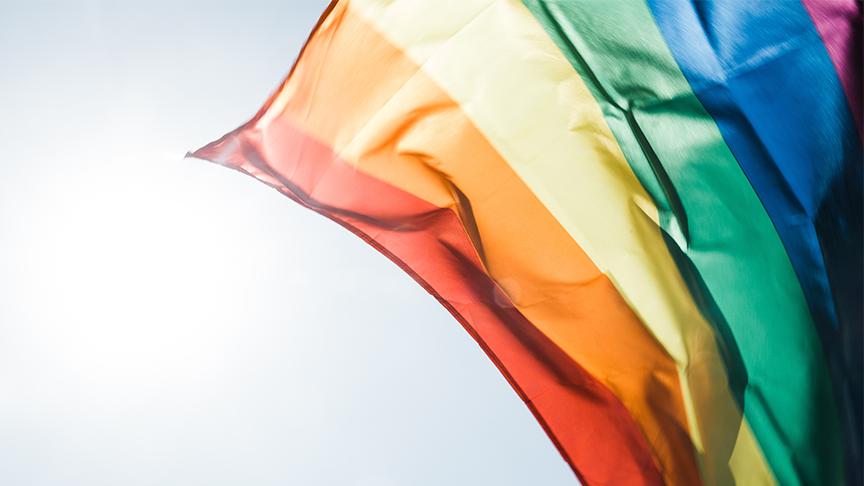 Förderung von LGBTQ Geschichten in Massenmedien
