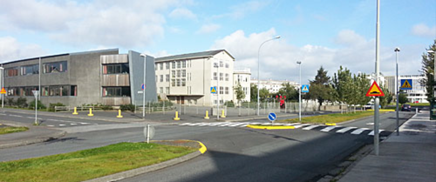 Þrengja Neshaga og stækka skólalóð Melaskóla