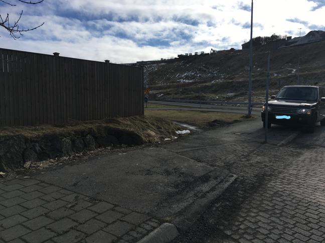 Gatnamót Naustabryggju og göngu/hjóla stígur frá Gullinbrú