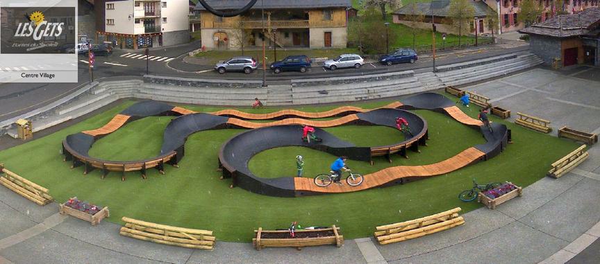 Hjólabraut (pump track)