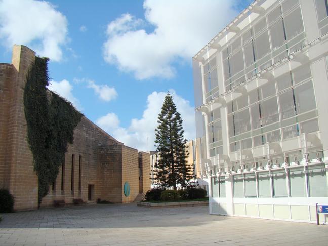 24/7 University Library