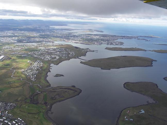 Upplýsingarskilti við geldingarnesið