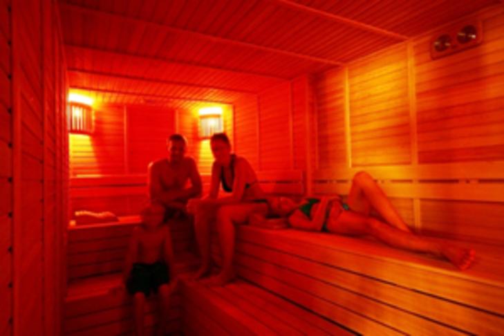 Infra rauð sauna í Grafarvogslaug