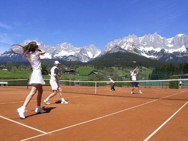 Blakk og tennisvellir Bakkahverfi