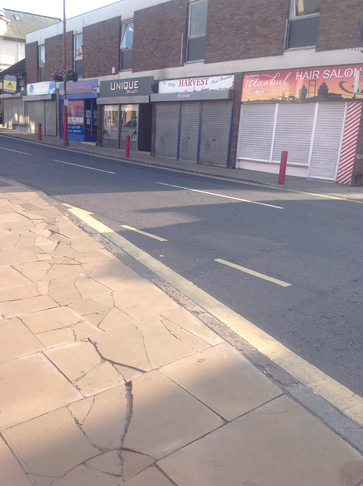 Cowdenbeath - Repairs to pavements in the High Street
