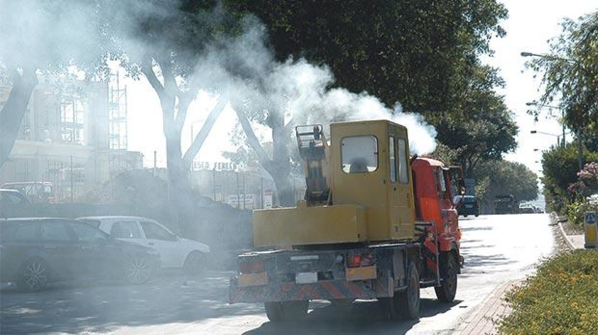 Clamp down on garbage truck/bowser emissions