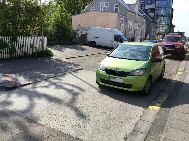 Lagfæra eða fjarlægja þrengingu á Lindargötu