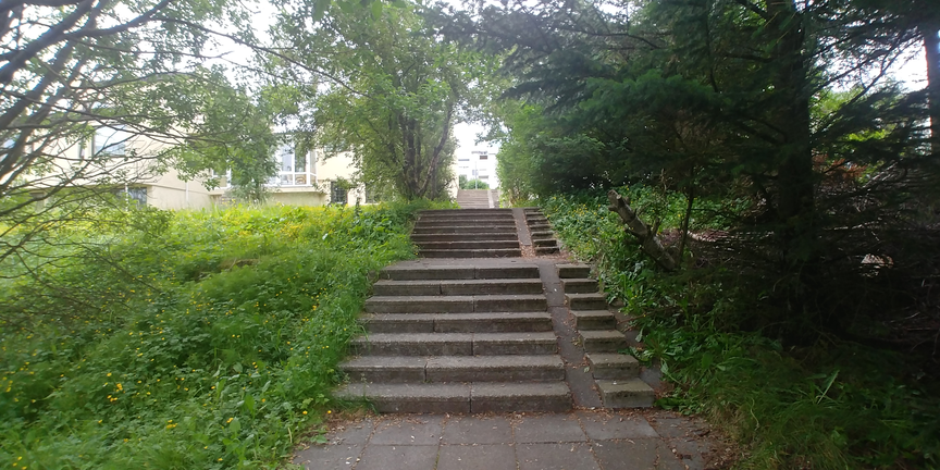 Lýsing á göngustíg/tröppur frá Grjótaseli niður í Seljadal